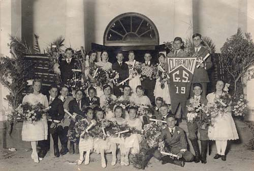 Graduating class at Claremont Grammar School, 1919