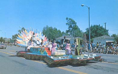 Float in Lakewood Pan American Festival parade