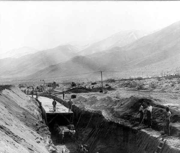 Construction of Owens Valley Aqueduct
