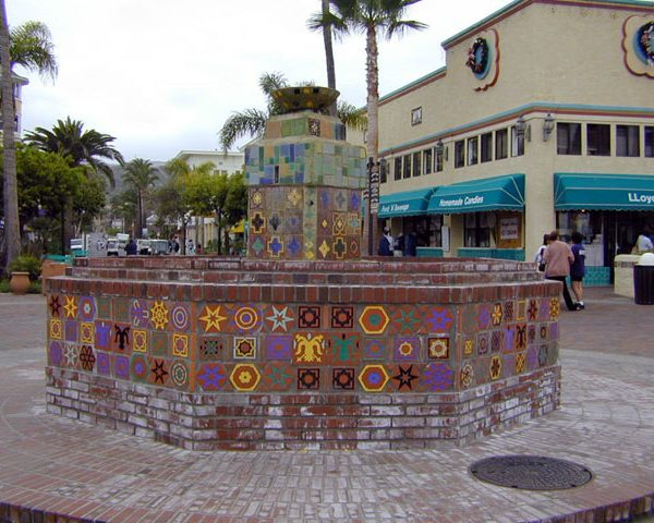 Fountain at intersection of Crescent and Sumner, 2000