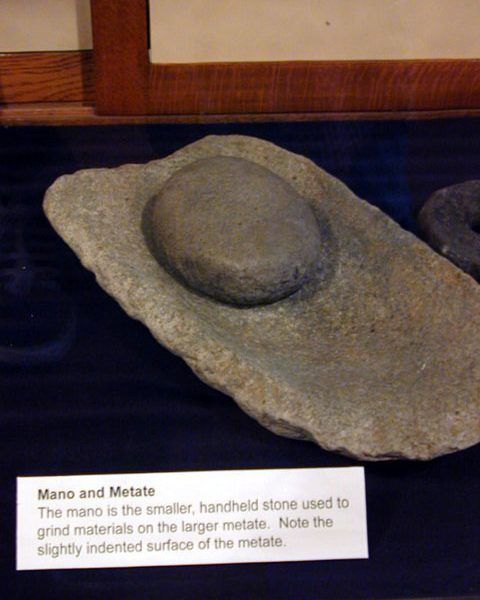 Steatite mano and metate