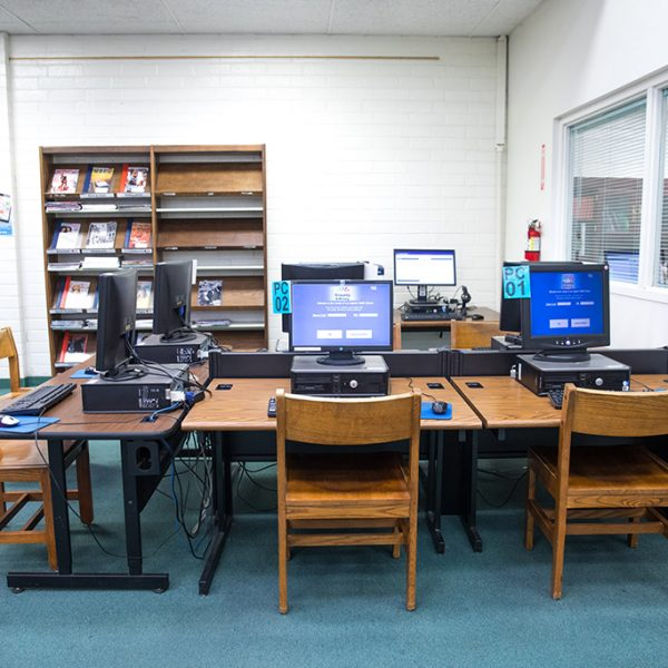 paramount library computers