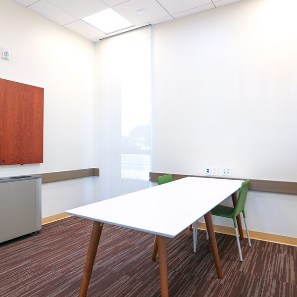 Los Nietos library meeting room