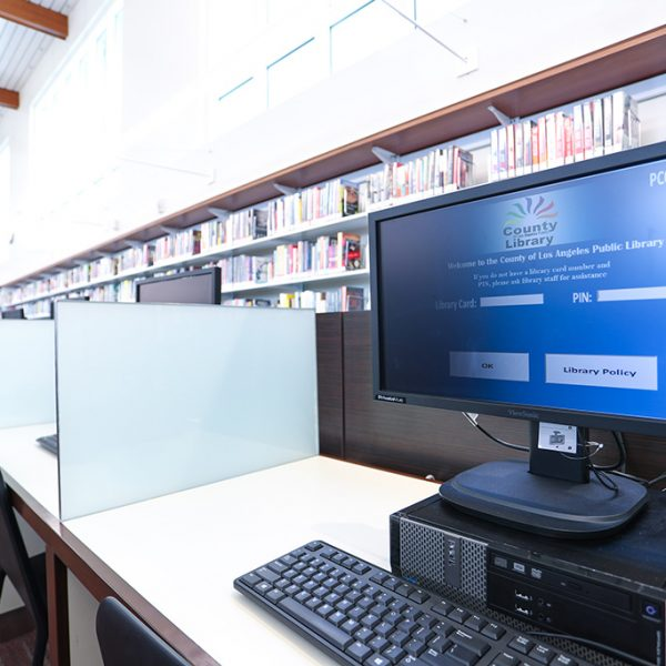 Los Nietos library computers
