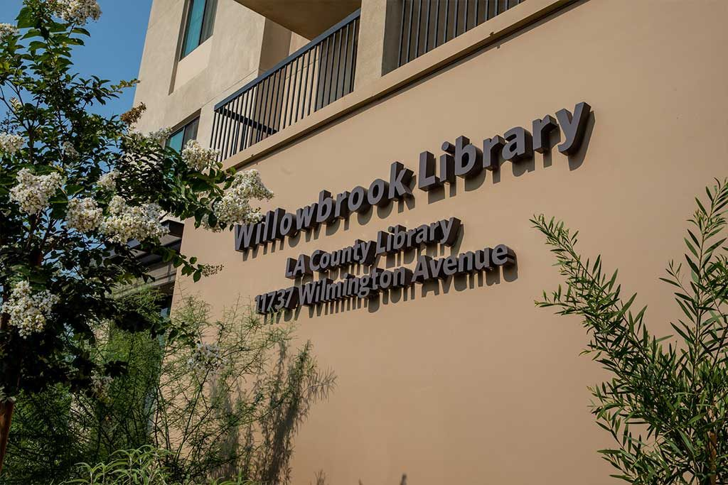willowbrook library la county library